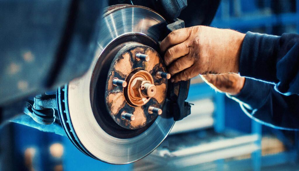 trocar os elementos de desgaste do freio